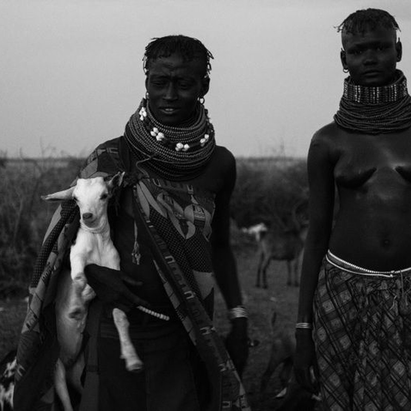 Ivan Lieman. Armed Struggle for Survival in Omo Valley: Exhibitions and artists de Gazzambo Gallery