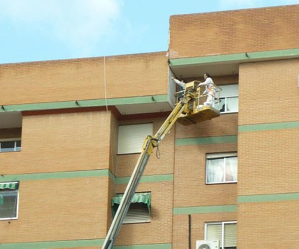 La utilidad de las plataformas elevadoras en la construcción