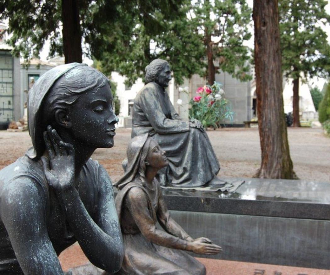 La decoración y el mantenimiento en cementerios