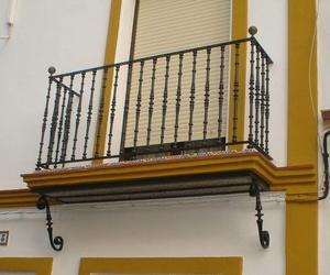 Balcones de hierro en Sevilla