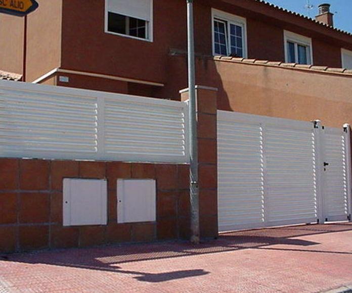 A99 Puerta y valla de aluminio lama vierte aguas mallorquina horizontal