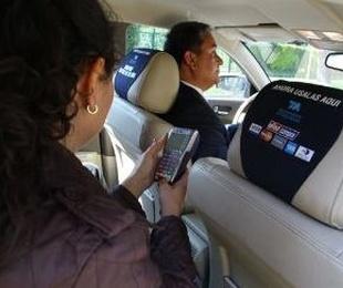 Radio Taxi tarjeta de credito.