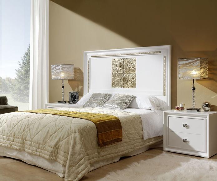 Dormitorio mod 81 Helios  blanco y pan de plata, cabezal talla, pata metalica