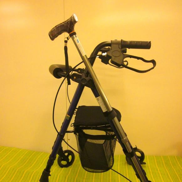 Caminador 4 ruedas: Catálogo de Ortopedia Crif
