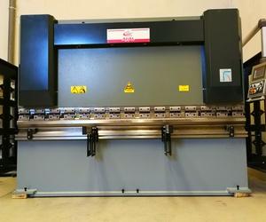 ¡NUEVA ADQUISICIÓN EN ICMINOX! Plegadora y cizalla de última generación con control numérico.