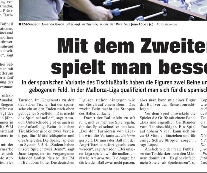Futbolín en el periódico