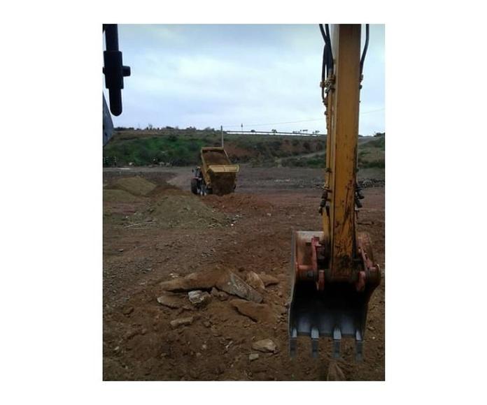 Cubas para escombros: Servicios de Transportes y Excavaciones Alex