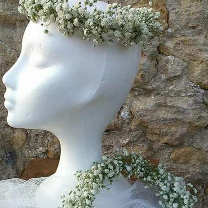 Coronas y prendidos para ceremonias: Arreglos Florales de Flores Cid Arte Floral
