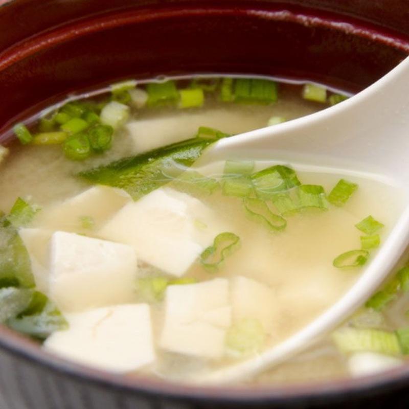 Sopas, entrantes y ensaladas: Cocina japonesa de Kaede Restaurante Japonés