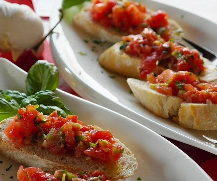 Bruschette: Especialidades de Restaurante la Piccola Italia SCQ