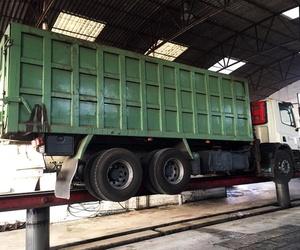 Taller de camiones en Alzira