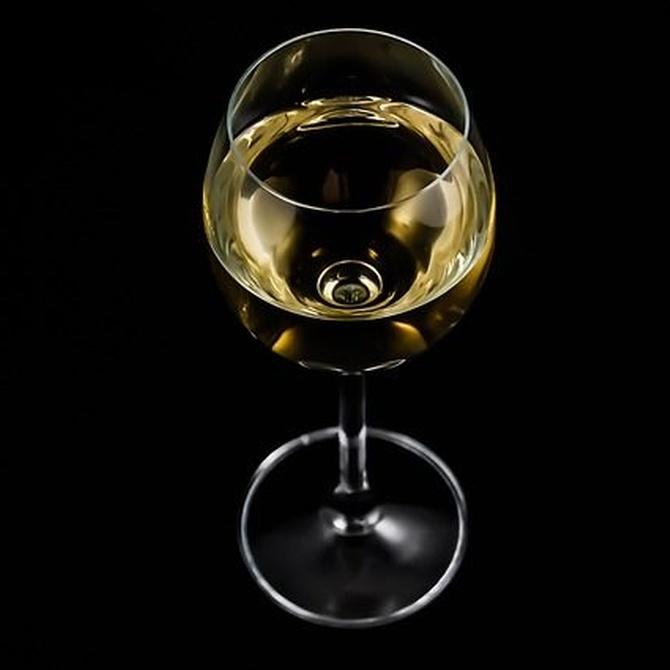 Los beneficios del vino blanco