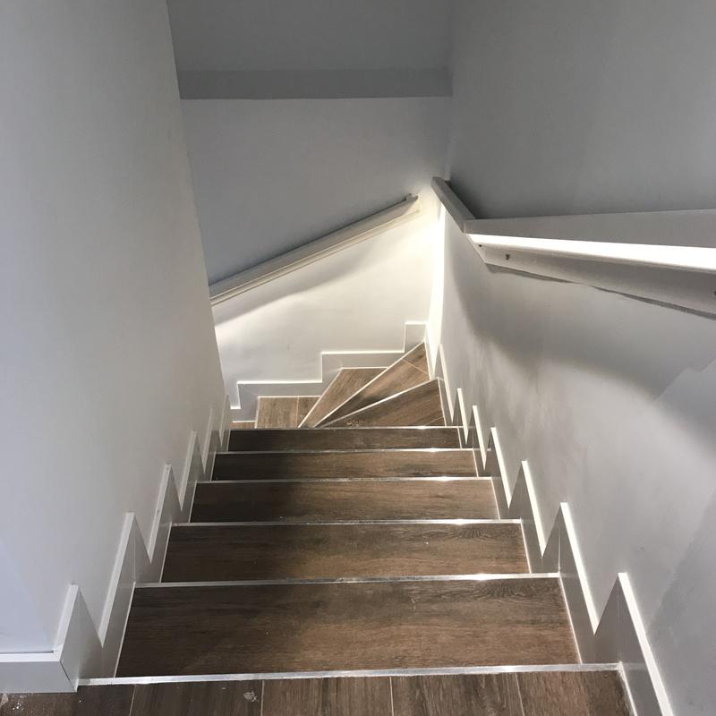 Reforma integral vivienda duplex 188 m2 en Moncloa: Reformas y proyectos de obra de Obras y Promociones De Sande, S.L.