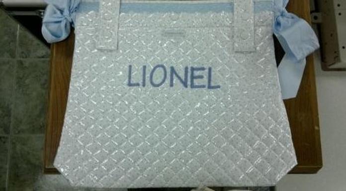 Bordados de iniciales, nombres y logotipos comerciales: Servicios de Sews - taller de costura, arreglos de ropa