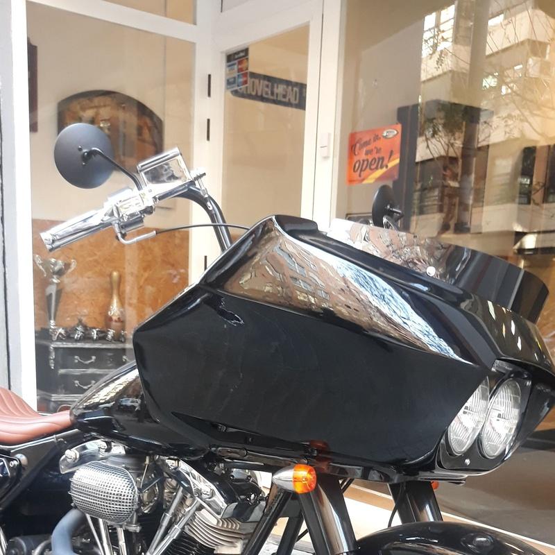 #bobbers #choppers #customshop #harleydavidson #shovelhead panhead #baggers #motos harley davidson Valencia