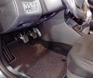 Prolongadores de pedales para coches manuales. Adaptación de vehiculos Asturias