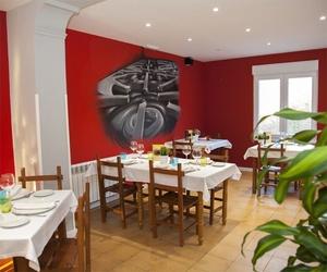 Salones de nuestro restaurante de cocina asturiana en Castrillón