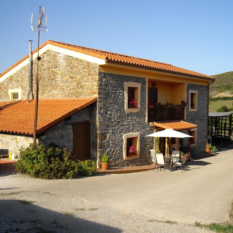 Tu vivienda rural mejor reformada: Productos y servicios de Construcciones y Reformas La Villa