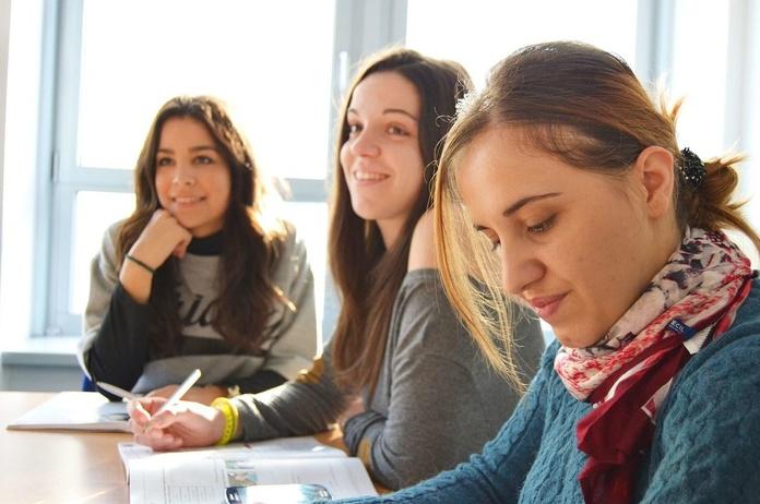 Pruebas de Acceso a la Universidad: Servicios de Centro de Estudios Ciudad de los Periodistas