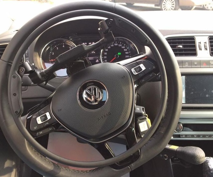 Volkswagen adaptado por Cabal Automoción   Adaptación de vehículos para minusválidos Astuias