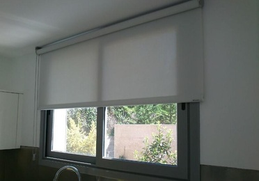 *Cortinas enrollables