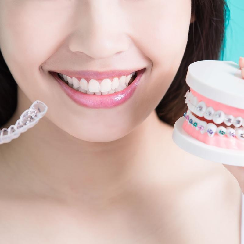 Ortodoncia invisible: Tratamientos Dentales de Clínica Dental La Mallola