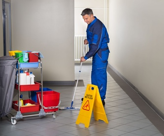 Gimnasios y centros deportivos: Servicios de Limpiezas MNA