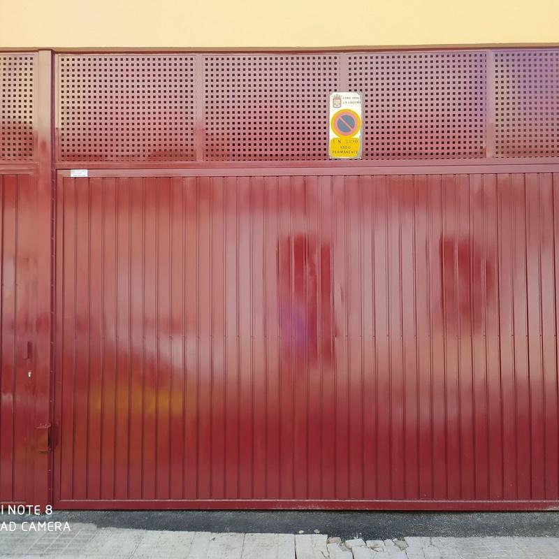 Instalaciones de puertas automáticas en general y cerrajería: Servicios de JLS Puertas automáticas y Cerrajería