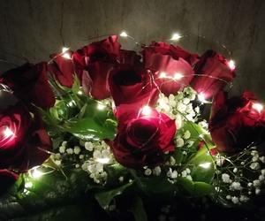 Ramo de rosas iluminadas