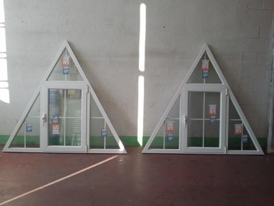 VENTANAS BUHARDILLA: Beda Aluminios, S.L.