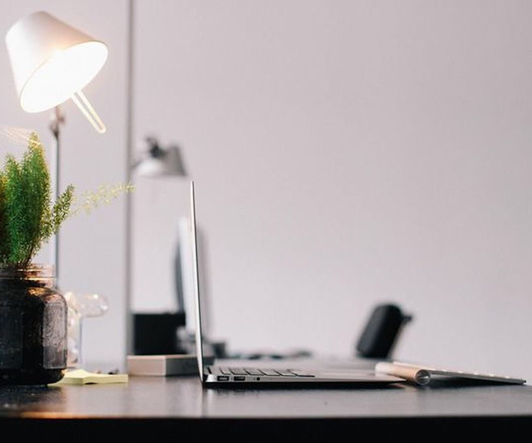 ¿Por qué debemos mantener limpio el lugar de trabajo?
