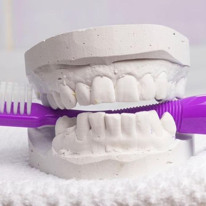 Cómo realizar la higiene dental si tenemos implantes dentales