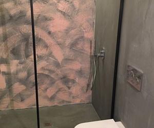 Mampara de acero inox lacada en negro para baño