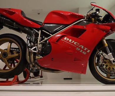 Prototipo Ducati 916 Massimo Tamburini: El Santo grial de las motos bicilíndricas desmodrómicas ital