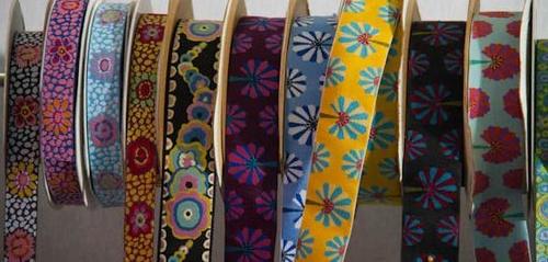 Tiras de tela decoradas