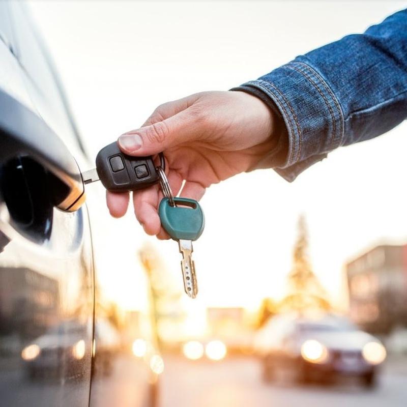 Apertura de coches: Servicios de Puertas Y Armarios Zarautz