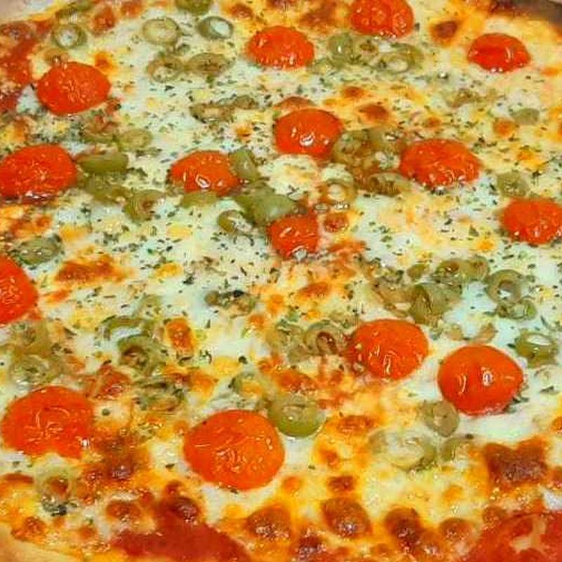 PIZZA DE LA HUERTA : Nuestras Pizzas de Pizzería Las Tres B