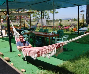 Área para descansar en el Albergue Vieira en León