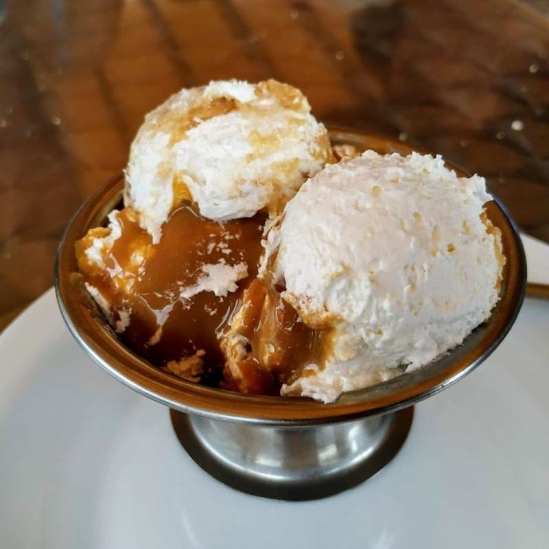 Desserts: Our Menu de Kiosco La Charca