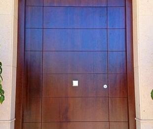 Puertas principales y puertas de paso.