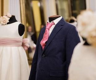 Alquiler de platos giratorios para vestidos de comunión