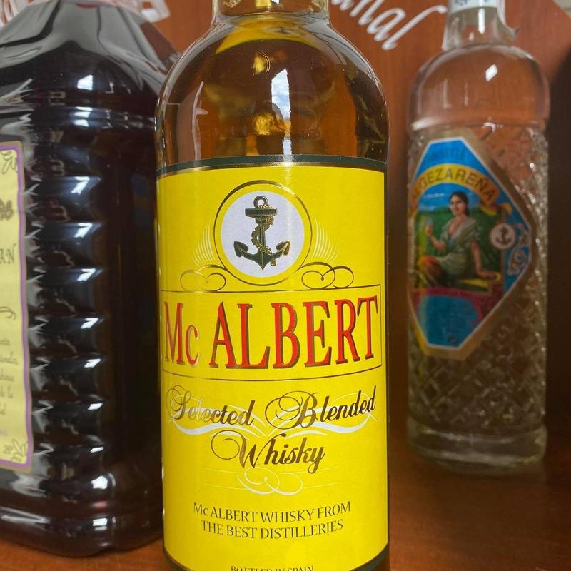 Whisky Mc Albert 40º: Productos  de Bodegas Los Jumillanos