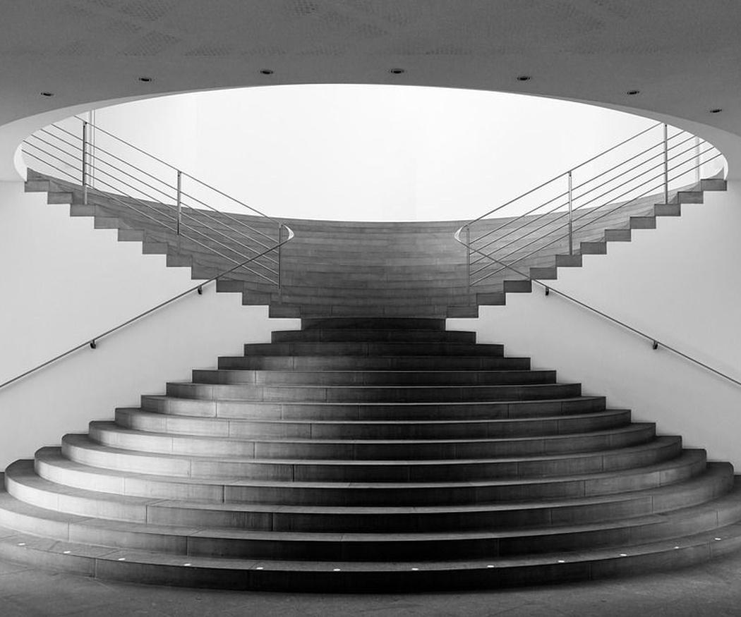 La limpieza de las escaleras comunitarias