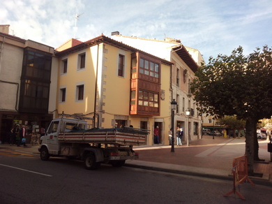 EJECUCIÓN DE REHABILITACIÓN Y REFORMA DE EDIFICIO EN VILLARCAYO