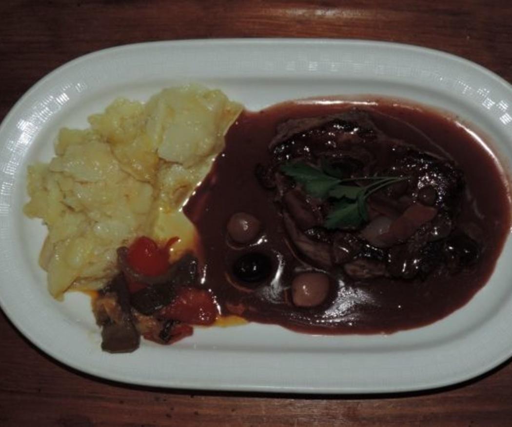 Carnes y salsas para carne de la cocina italiana