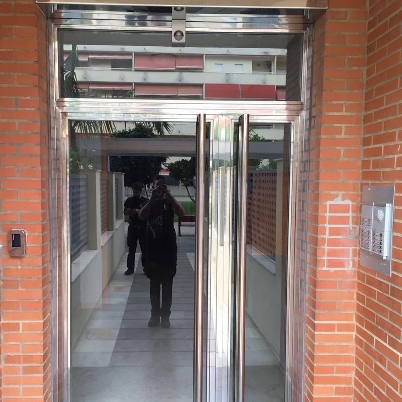 Puertas y escaparates de acero inoxidable : Nuestros servicios de Cerrajería Inox Las Salinas