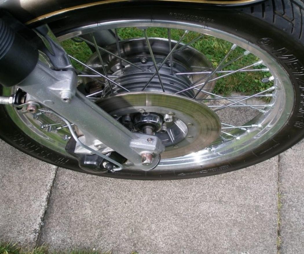 Cómo elegir los neumáticos de tu moto