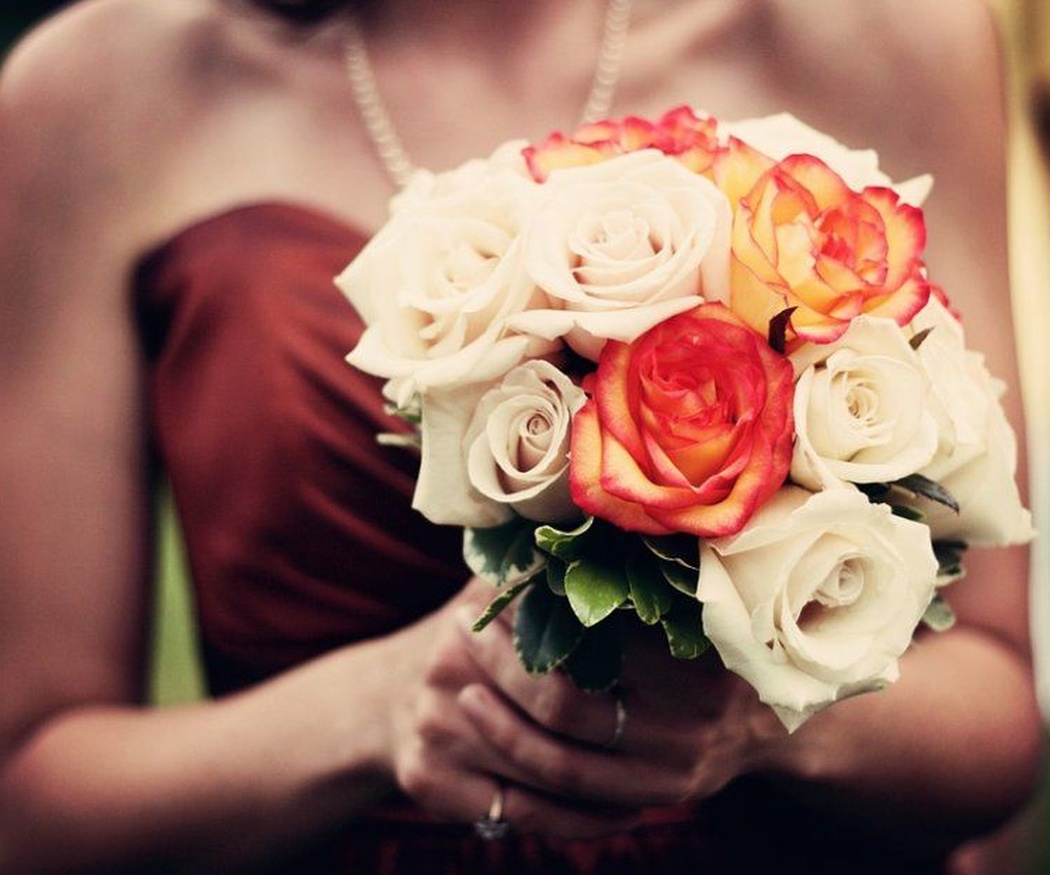 ¿De qué color enviar rosas?
