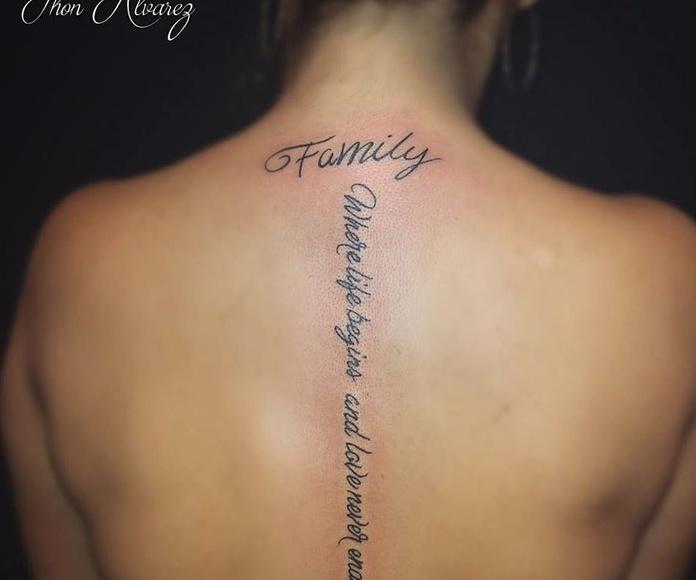 Lettering: Tatuadores especializados de Circe Tattoo