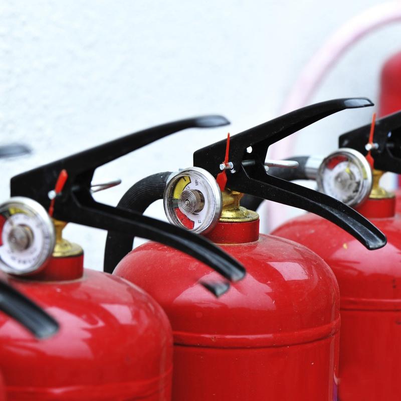Extintores: Servicios de recogida de ecite de Reciclados Deter-Oil
